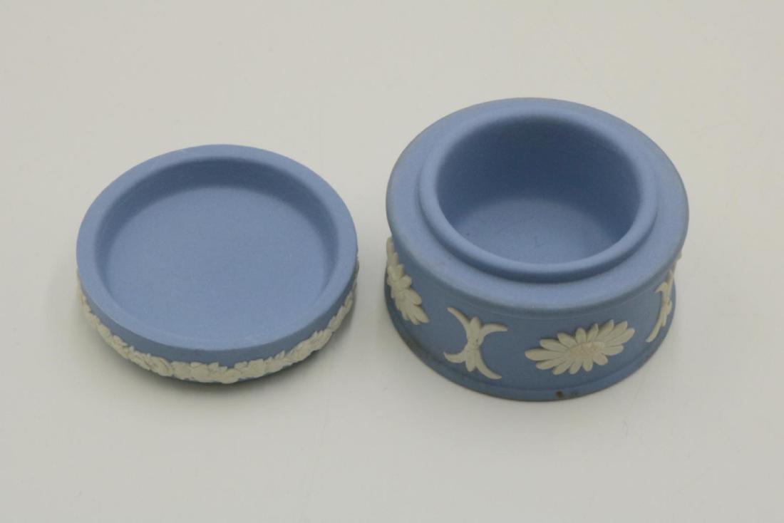 Wedgwood Jasperware Trinket Box - 2