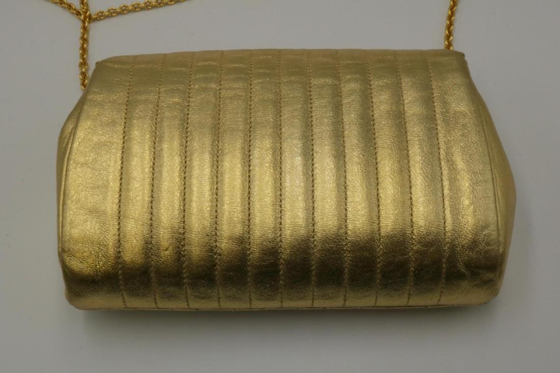Beautiful Chanel Gold Leather Purse - 4