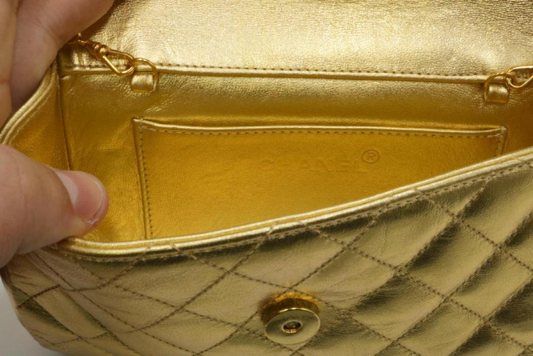 Beautiful Chanel Gold Leather Purse - 6