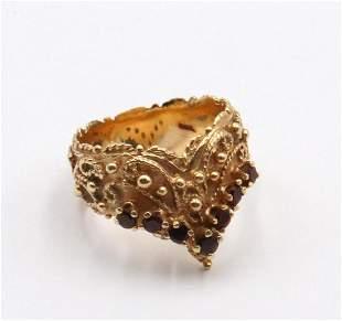 14Kt Yellow Gold & Garnet Ring