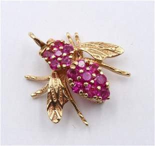 14Kt Yellow Gold Pink Sapphire Bee Pin