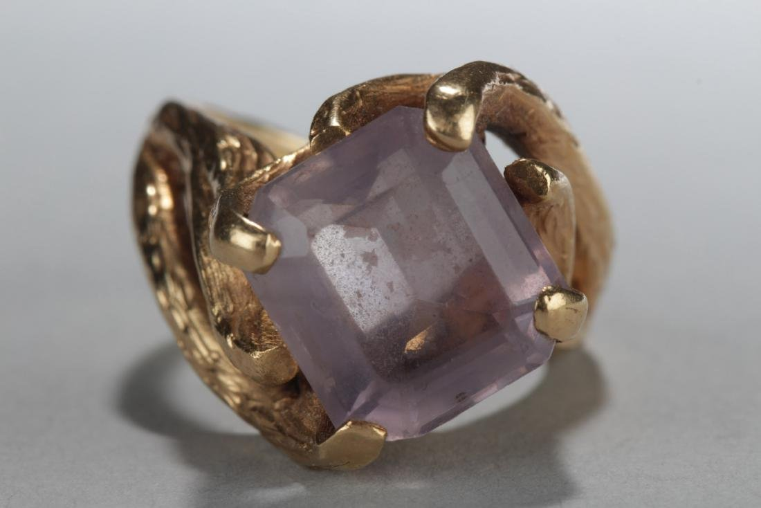 Antique 14K Gold Ring With Gem Stone