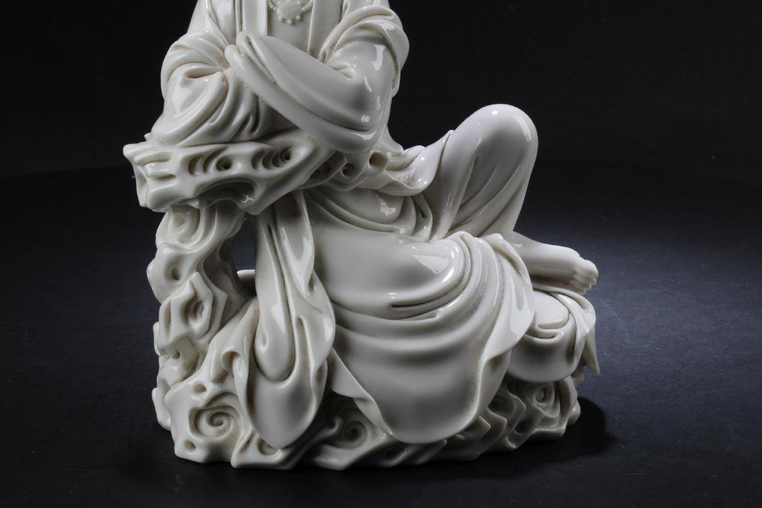 A Chinese Blanc De Chine Bodhisattva Statue - 3