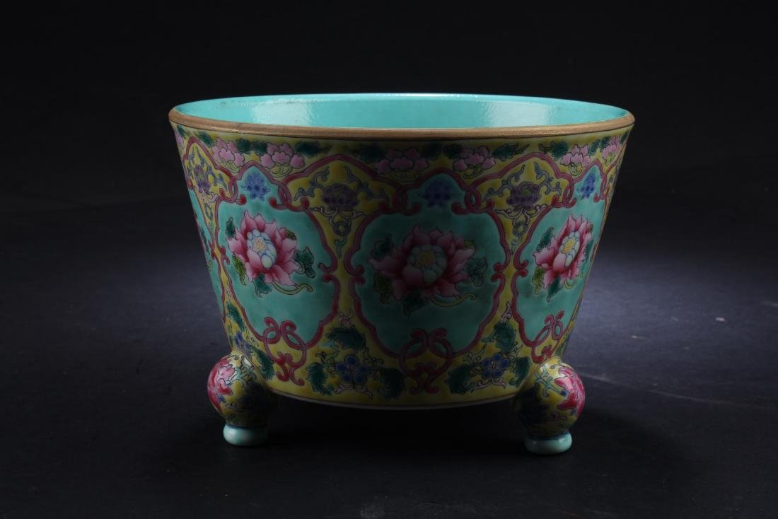 A Chinese Porcelain Tripod Censer