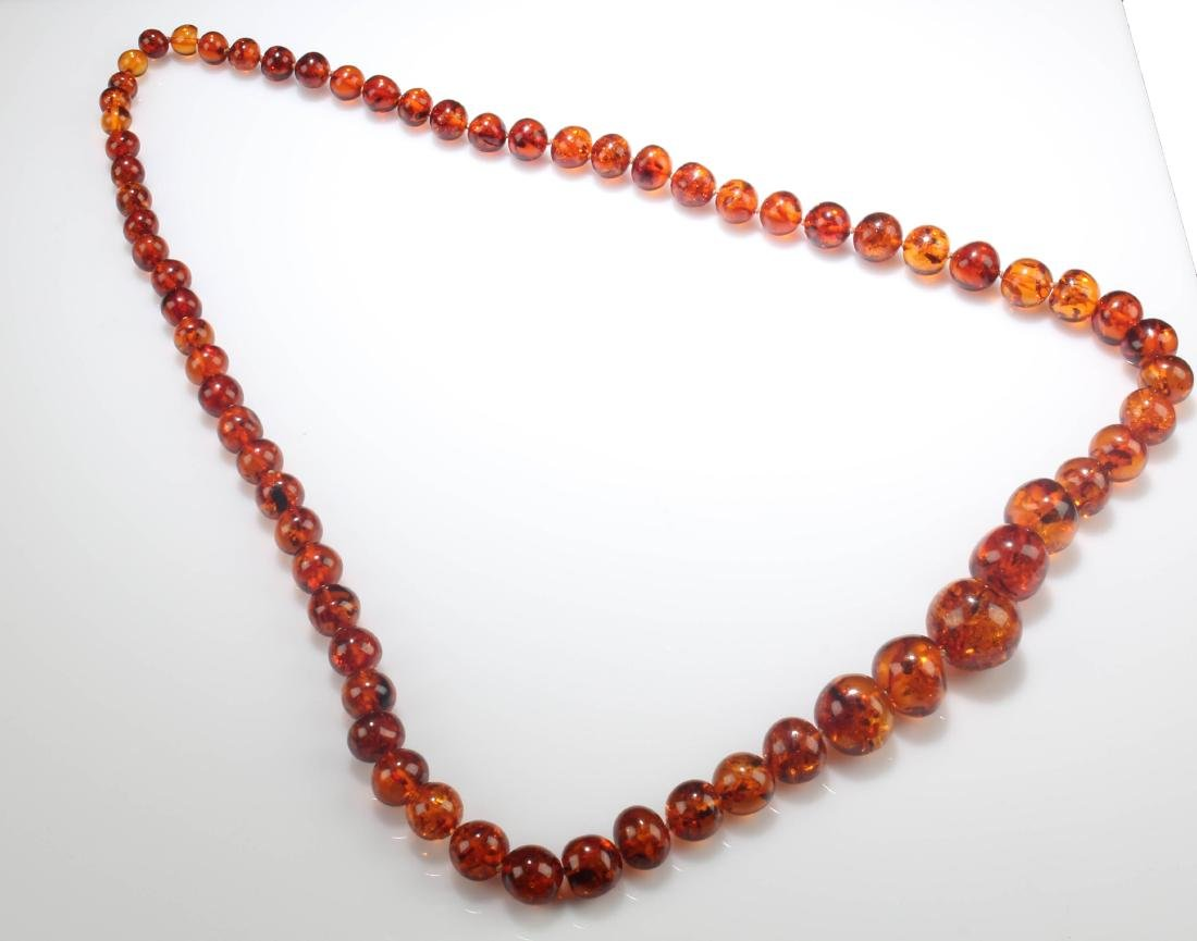 A Chinese Amber Necklace