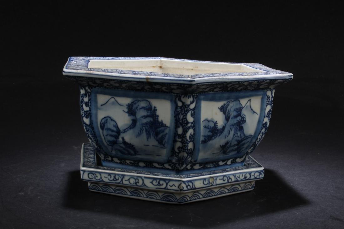 Chinese Blue & White Porcelain Flower Pot