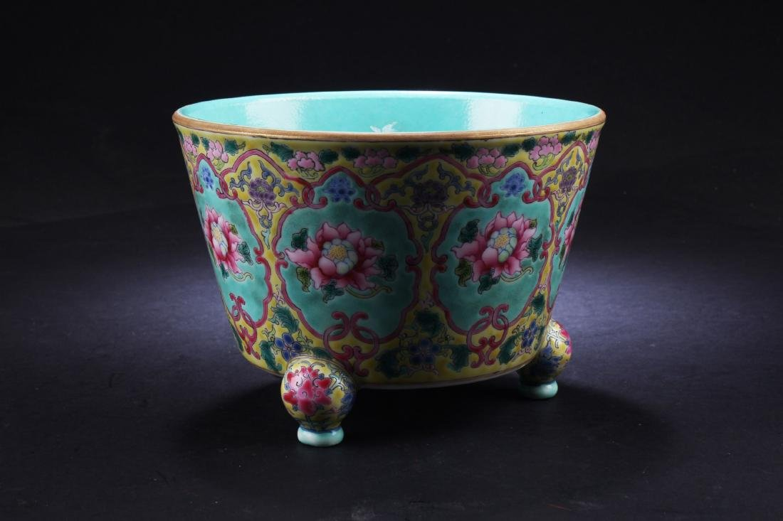 A Chinese Porcelain Tripod Censer - 2