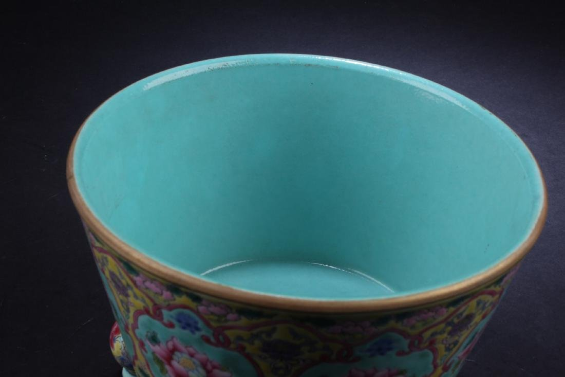 A Chinese Porcelain Tripod Censer - 3