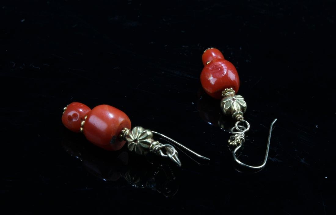 A Pair of Red Coral Earring - 2