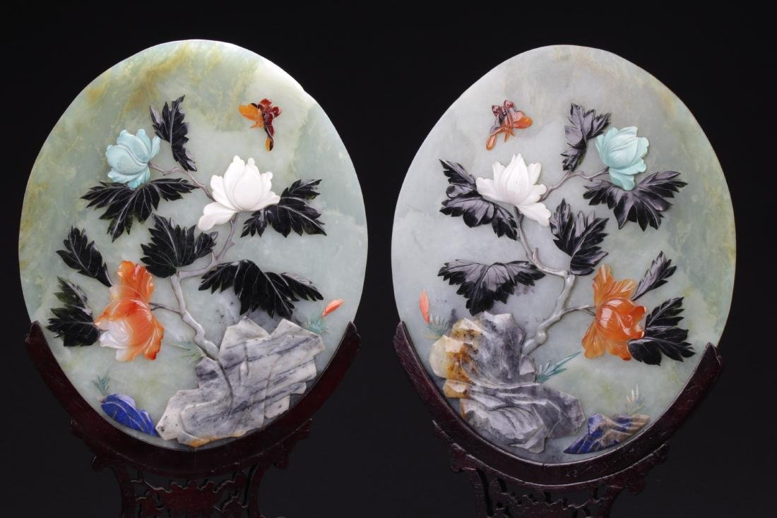 A Pair of Chinese Oval Shaped Jade Table Screen - 2