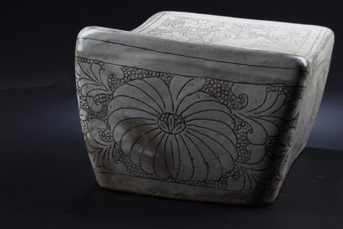 Chinese porcelain Pillow - 4