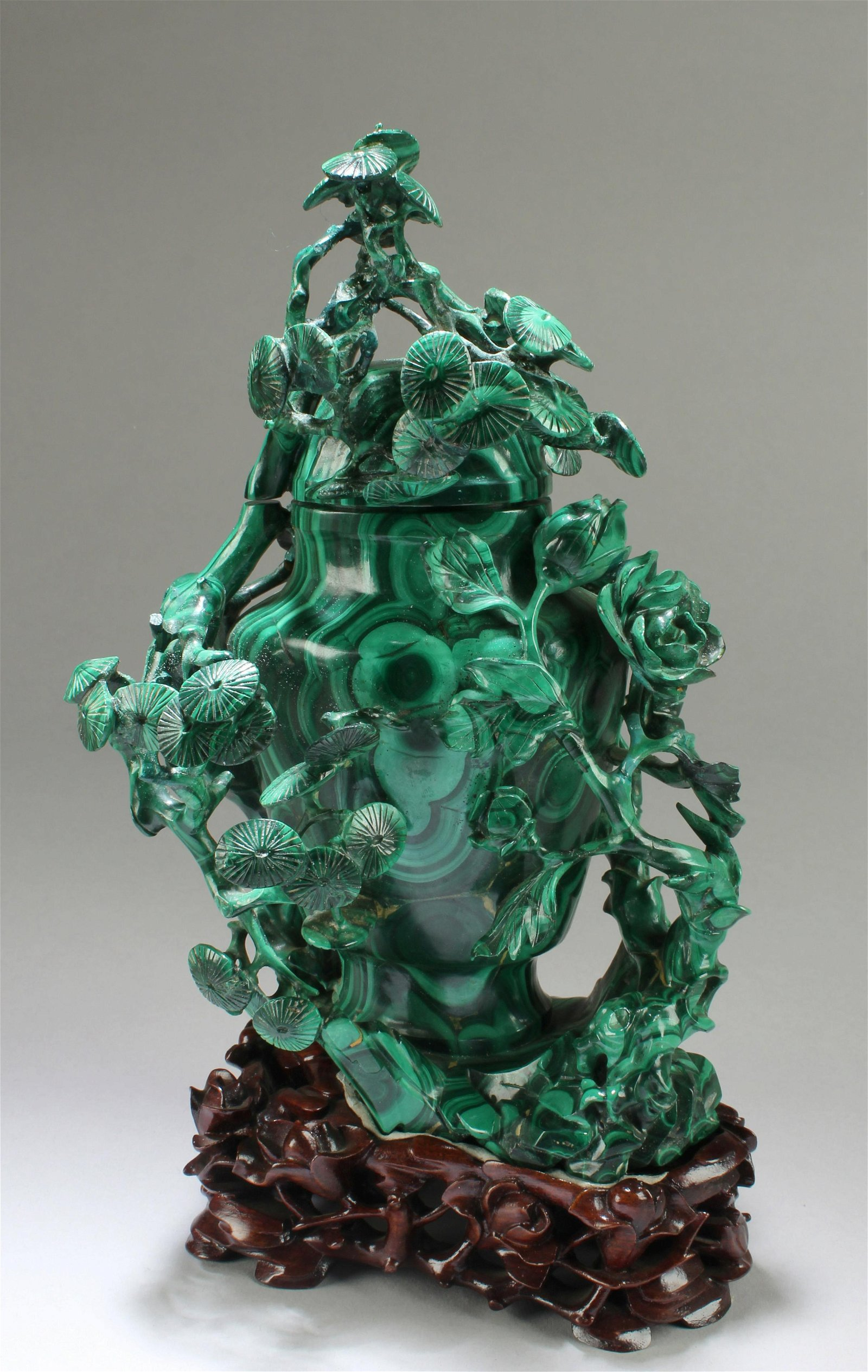 Chinese Malachite Carved Vase with Lid Cover
