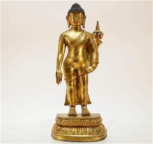 A Gilt Bronze Tibetan Sculpture Figure of Sakyamuni