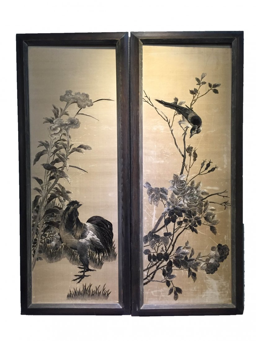 A Pair of Chinese Embroidery Painting