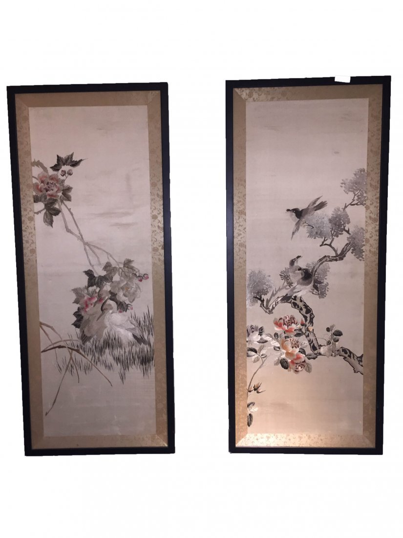 A Pair of Chinese Cloth Embroidery Painting