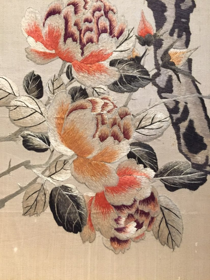 A Pair of Chinese Cloth Embroidery Painting - 4