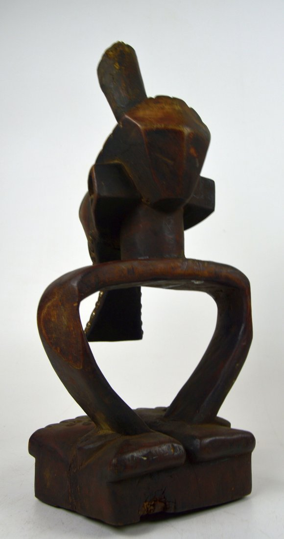 A Highly Stylized Songye African Divination sculpture - 4