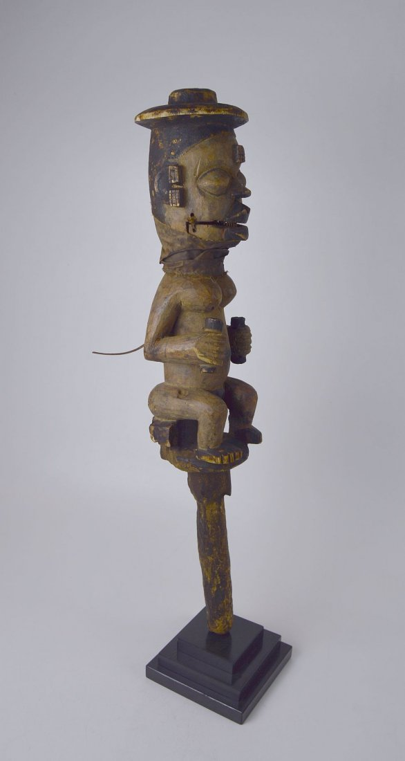 A Rare Old Ogoni marionette staff African Art - 4
