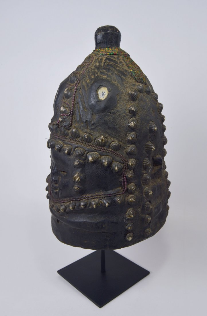 Mende Bundu African Mask with Ornate Shell & beads - 3