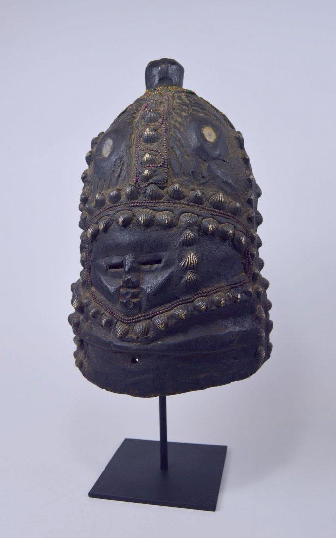 Mende Bundu African Mask with Ornate Shell & beads - 4