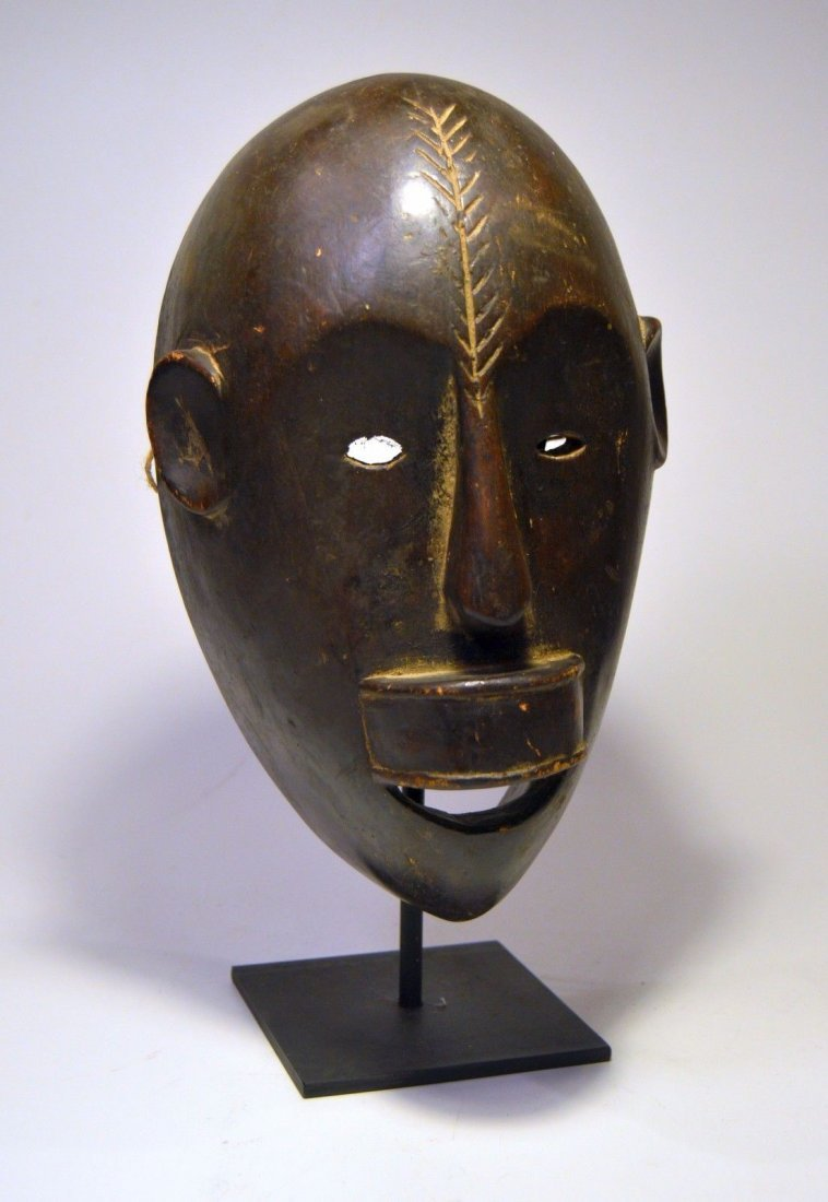 Fine Sukuma African mask on display stand, African Art - 2