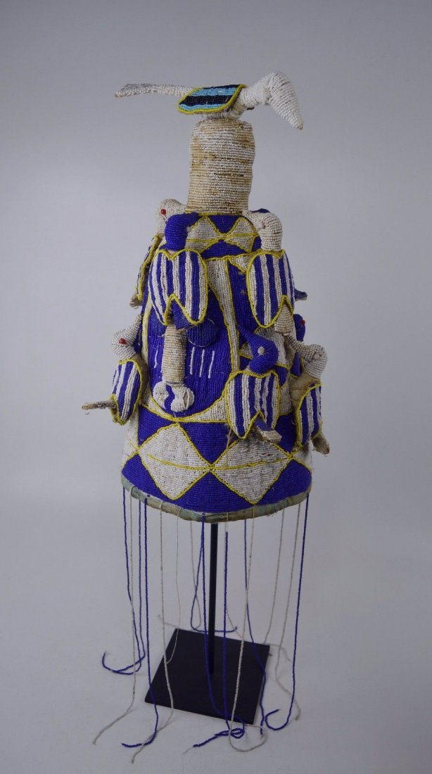 A Fine Yoruba Beaded Crown with Avian images, Blue,Whit - 3