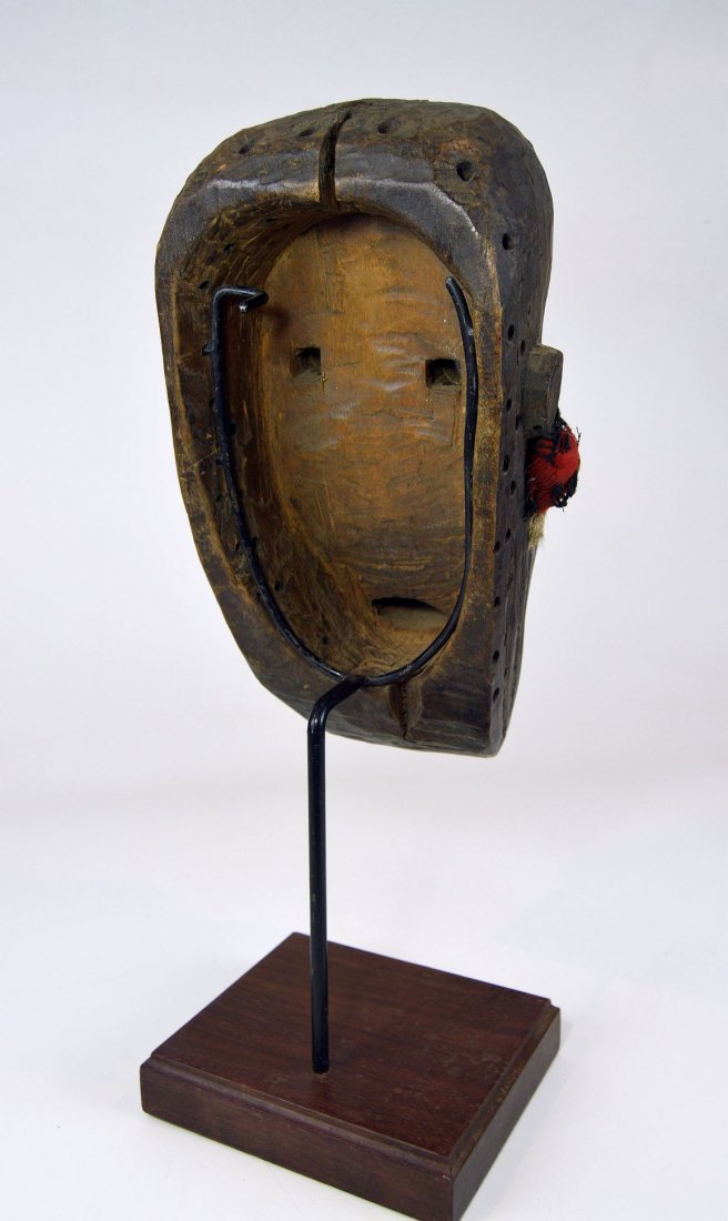 A Rare Toma African mask with Linear designs - 5