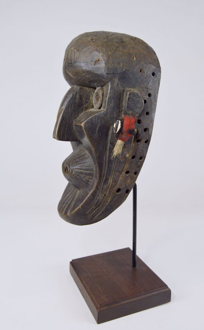 A Rare Toma African mask with Linear designs - 7
