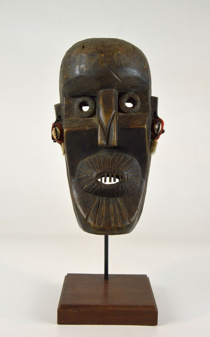 A Rare Toma African mask with Linear designs - 8