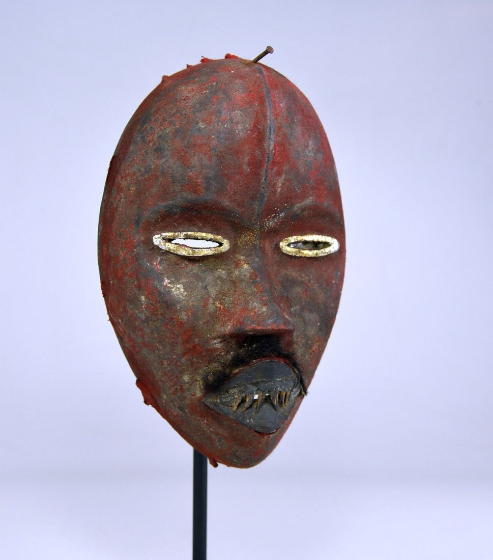 A Stunning Red Poro DAN African mask - 3