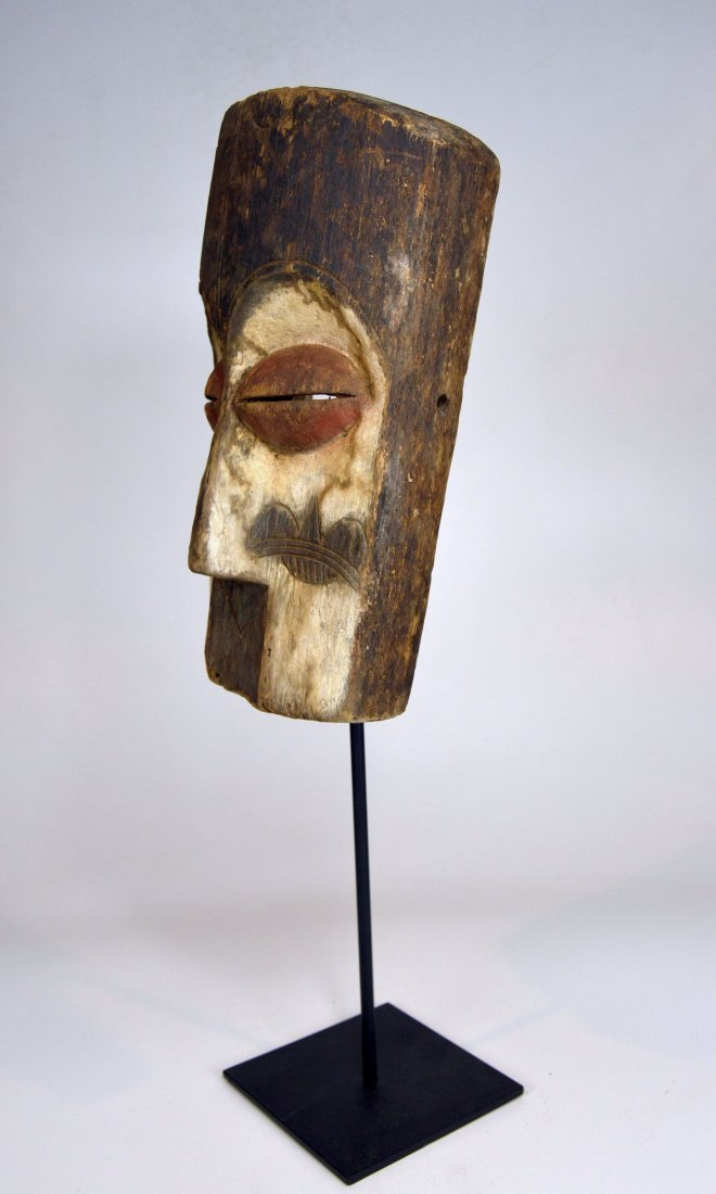Archaic old Vuvi African Mask - 8