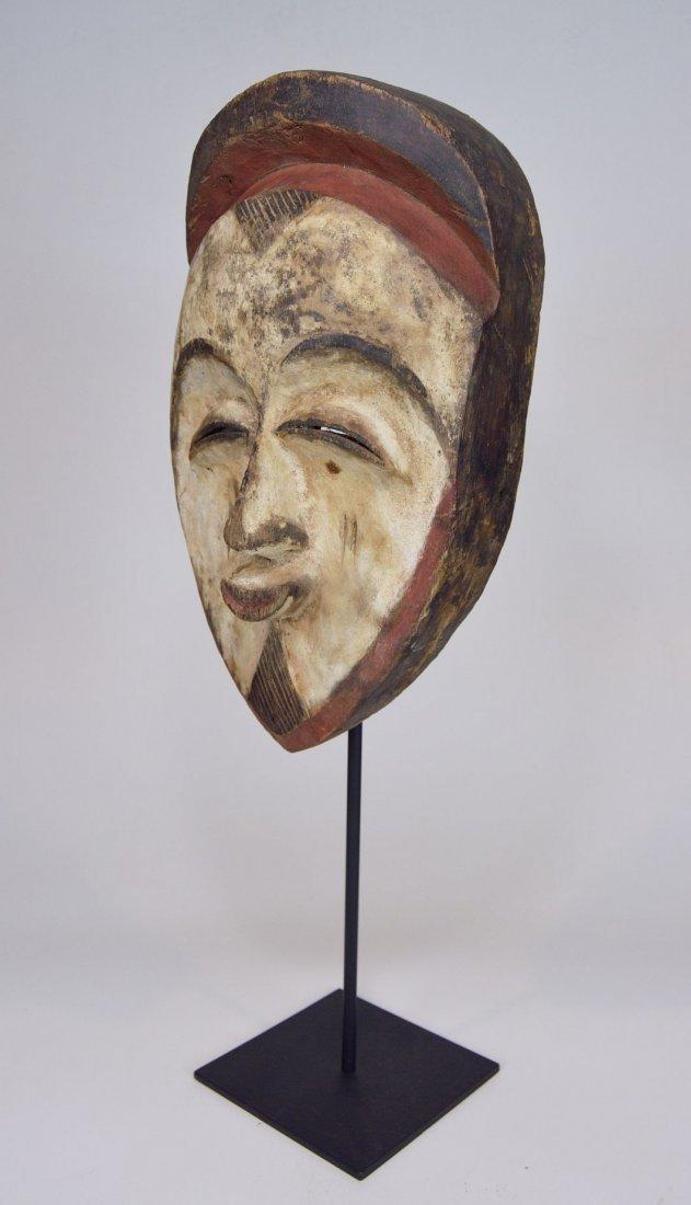A very fine old Vuvi African mask - 2