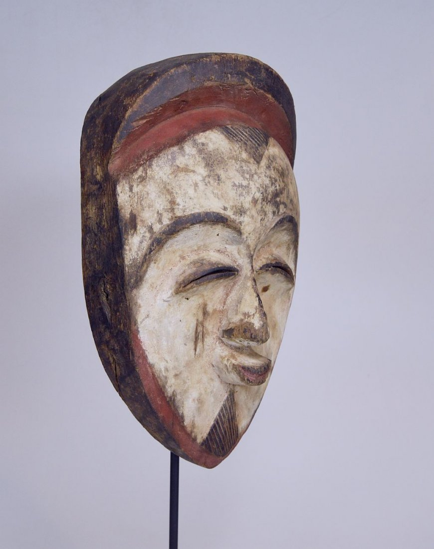 A very fine old Vuvi African mask - 3