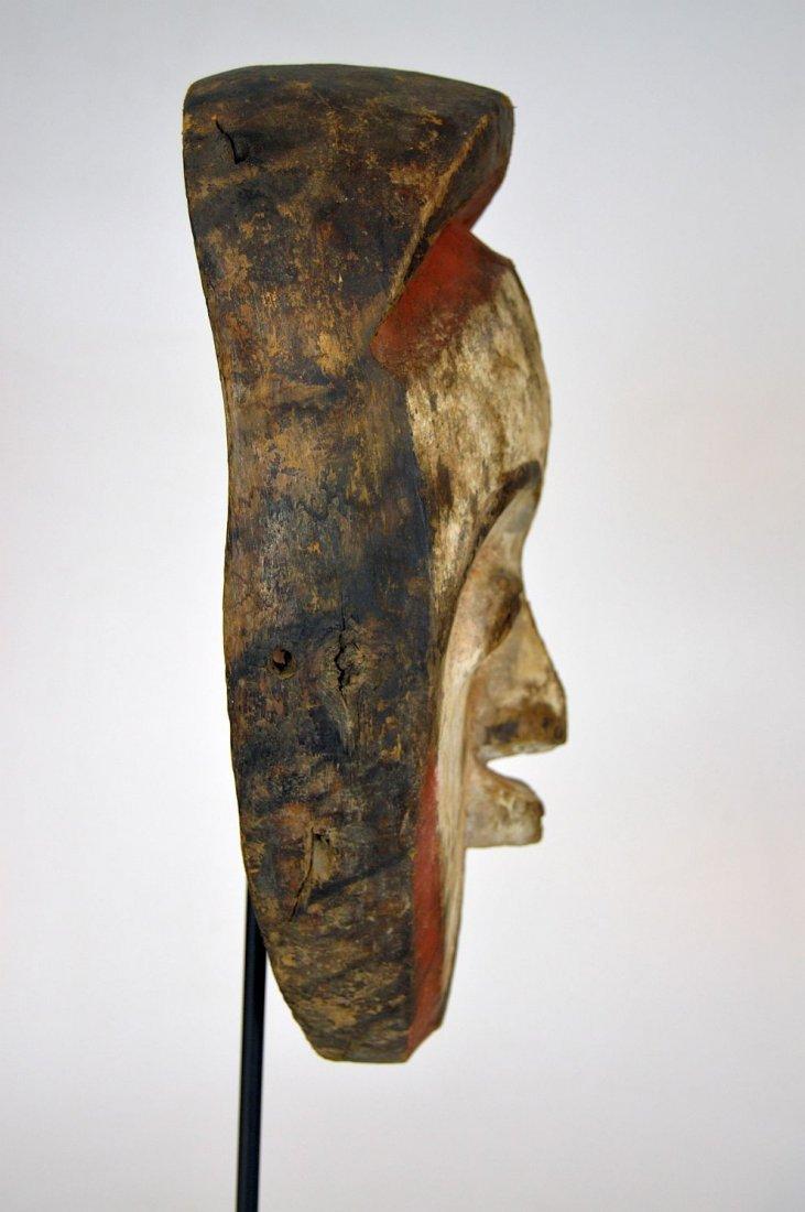 A very fine old Vuvi African mask - 4