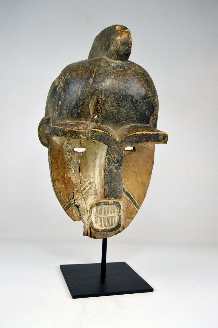Art Brut: A Powerful Fang African Mask