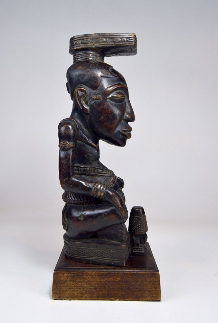 A Fine Kuba Ndop sculpture of the King - 7
