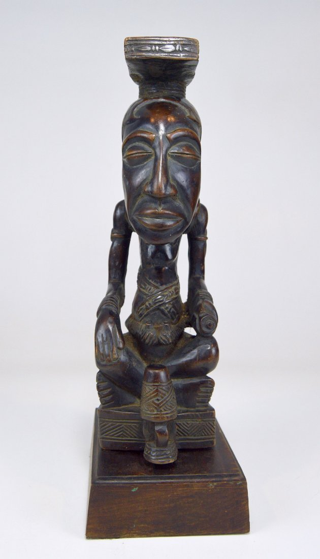A Fine Kuba Ndop sculpture of the King - 8
