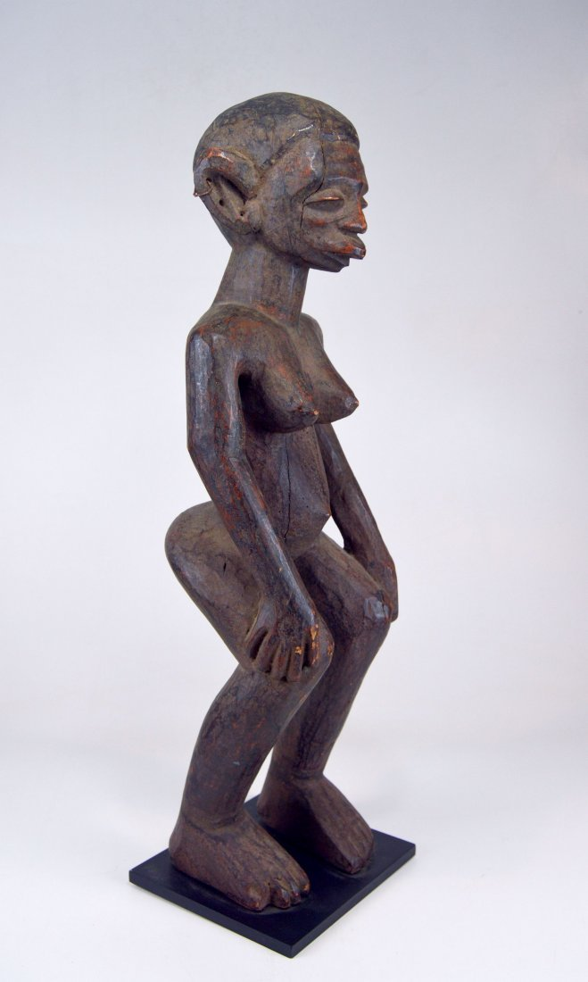 A Very Fine Old Makonde female ancestor sculpture - 2