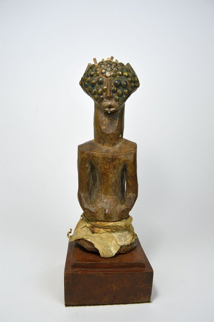 19th century Songye N'kisi Magic sculpture - 4