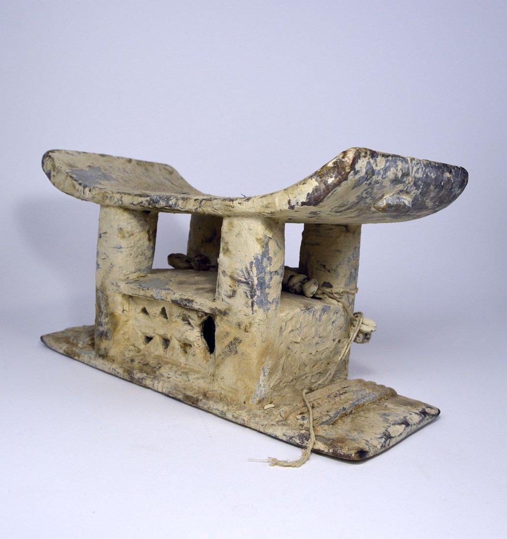 Authentic Old Ashanti Shrine stool for the Spirits - 4