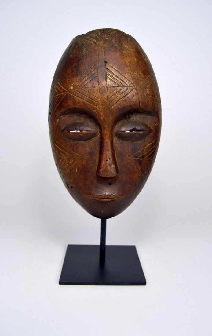 Serene Old Chokwe Mask, African Art - 3