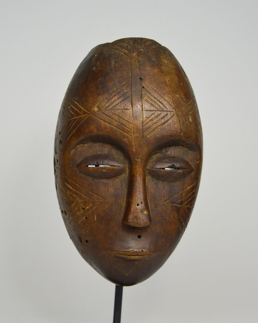 Serene Old Chokwe Mask, African Art - 4