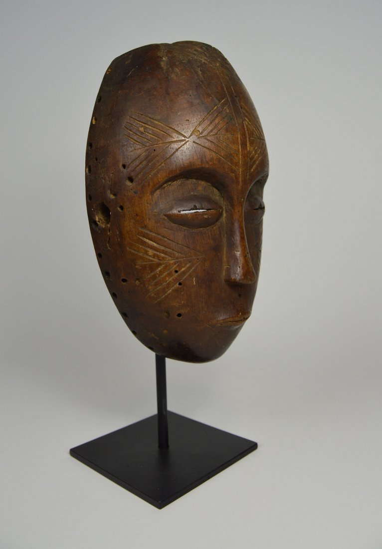 Serene Old Chokwe Mask, African Art - 7