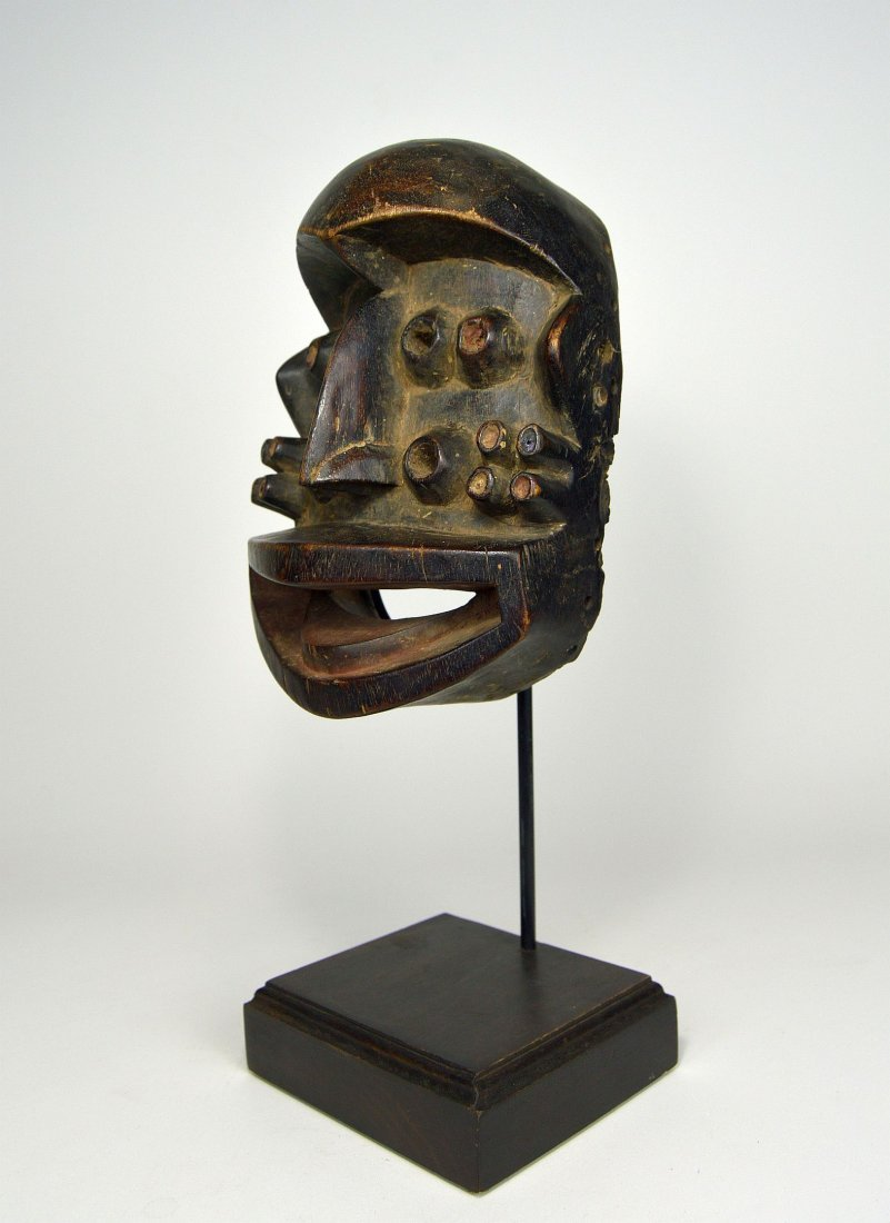A Fantastic Guere mask with Multiple eyes, African Art - 3
