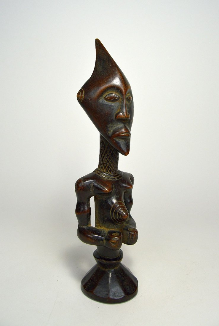 A Finely carved Lulua sculpture, African Art