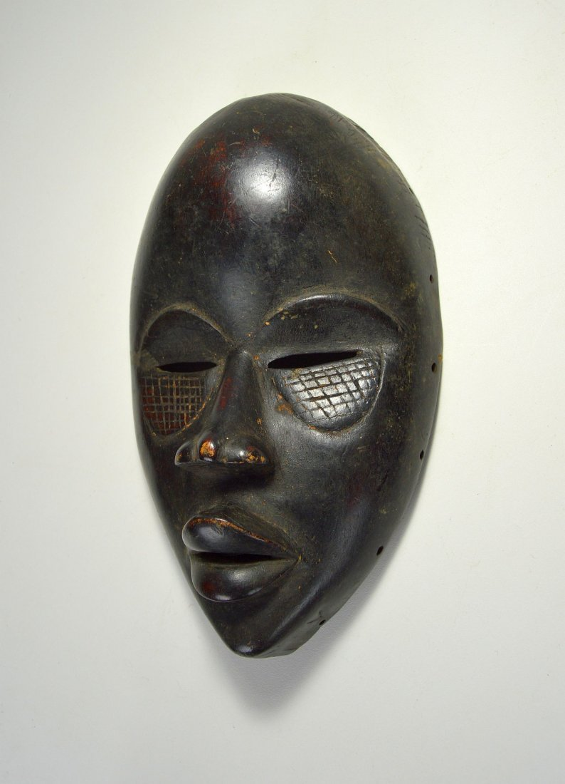 A Finely Carved Dan African mask, African Art - 2