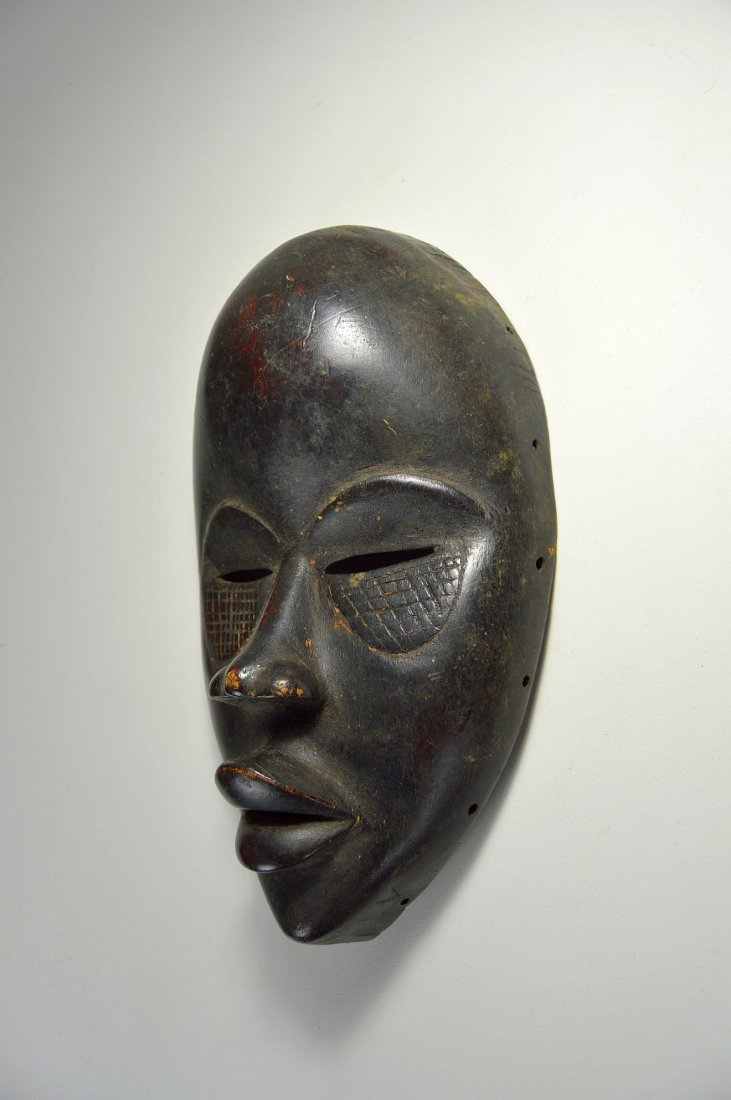 A Finely Carved Dan African mask, African Art - 3