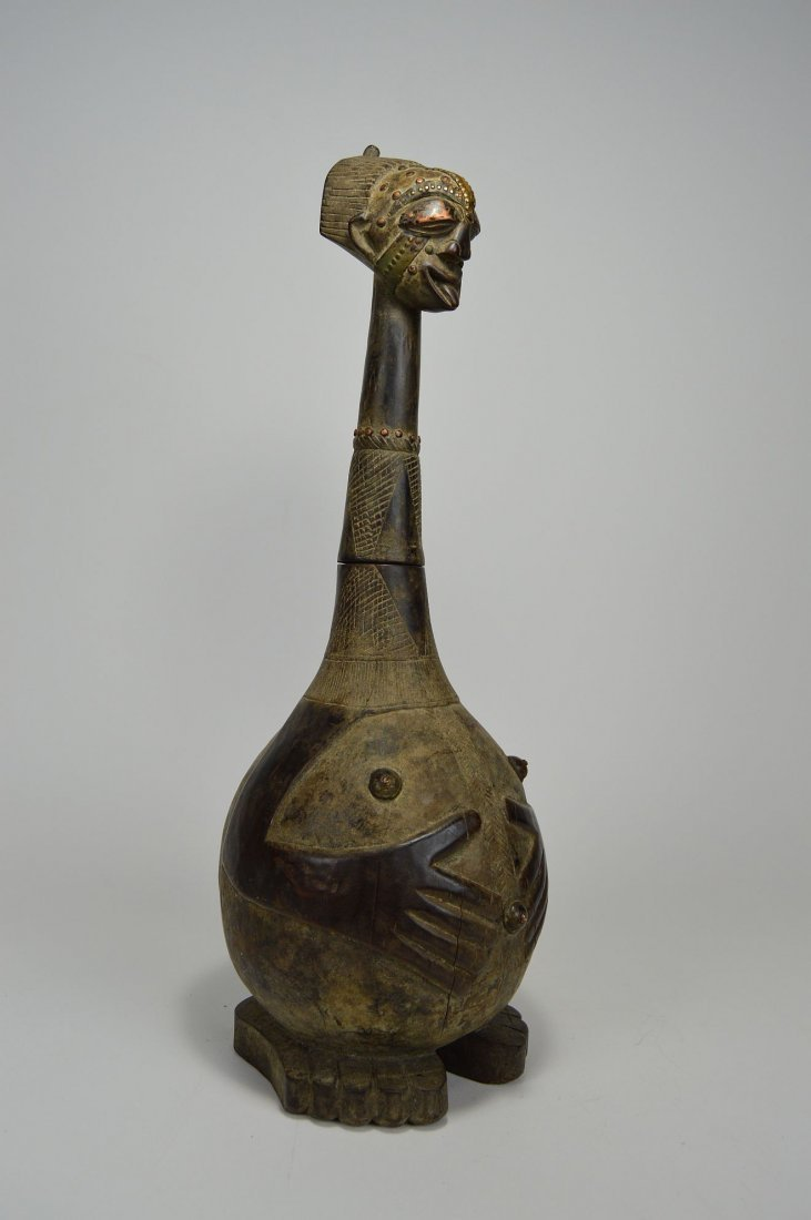Highly Stylized Songye Palm Wine Figural wooden vessel - 5