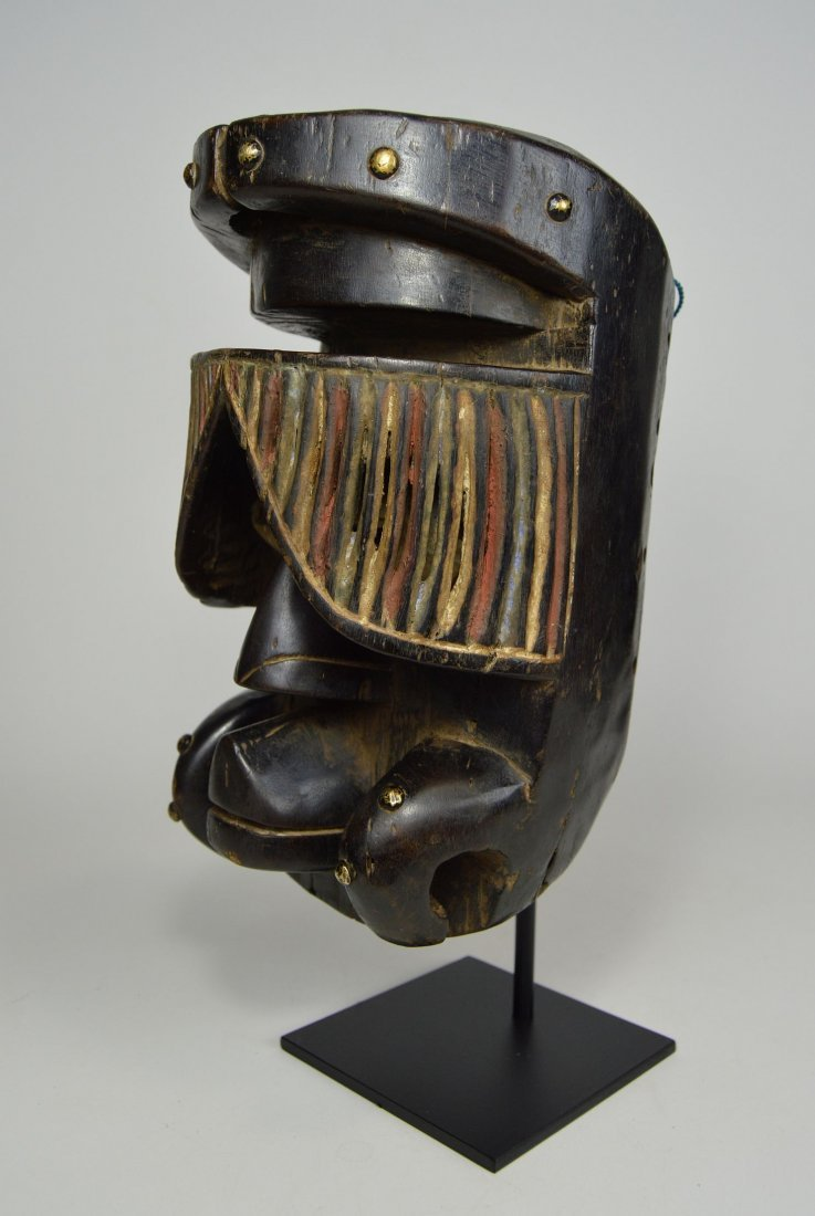 """Fantastic Guere African mask with carved """"Curtain"""" Eyes - 2"""