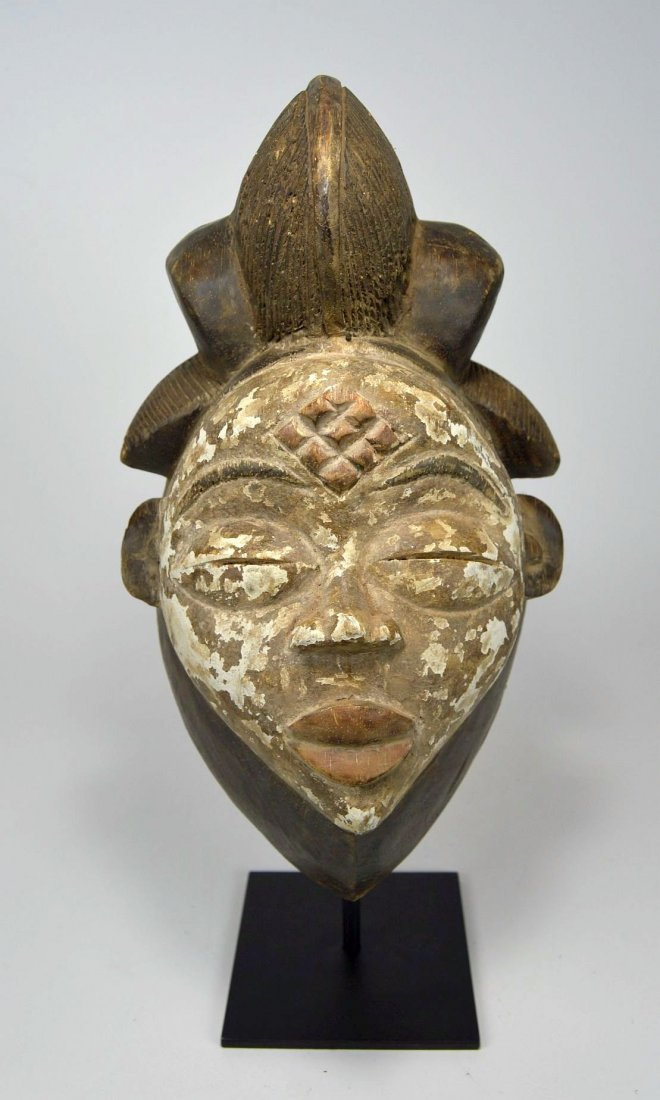 A Punu African mask - 4